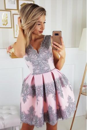 Elegancka sukienka - jasno różowa