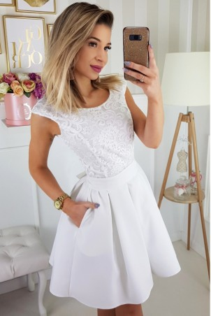 Koktajlowa sukienka bez rękawów z paskiem - ecru