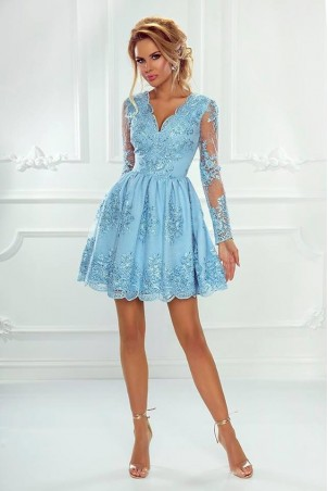 Rozkloszowana koronkowa sukienka z długim rękawem Eva - błękitna