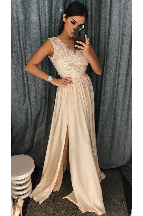 5f36197f01 Długa sukienka na wesele z koronkową górą Julia - beżowa. Loading zoom