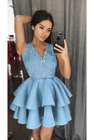 Rozkloszowana sukienka dwie falbany Lisa - błękitna