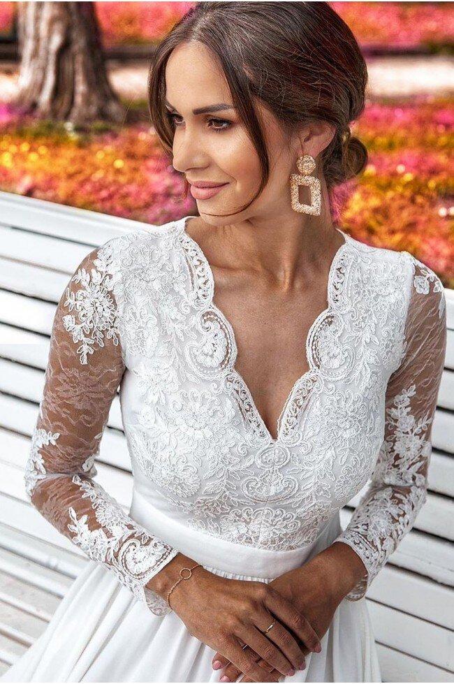 Długa koronkowa sukienka z długim rękawem Ophelia biała