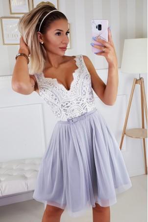 Koronkowa sukienka z tiulowym dołem Bianka - szaro-biała