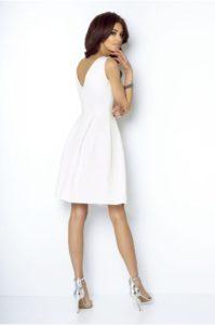 c57143f9b3 Kolejna propozycja na przyjęcie komunijne to sukienka Tailor o klasycznym a  zarazem bardzo eleganckim fasonie w literę A. Jest to świetna propozycja  dla pań ...