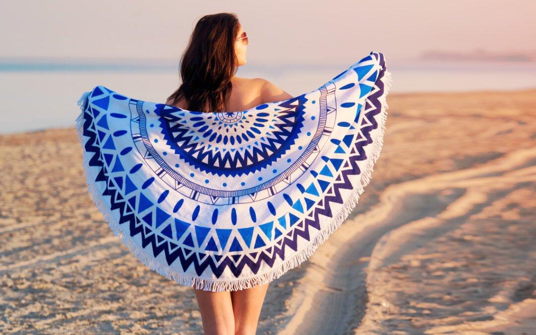 Najnowszy trend tego lata – okrągłe ręczniki plażowe